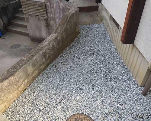 家回りの除草対策施工