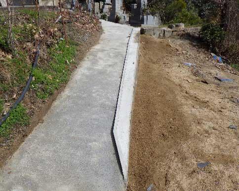 参道のコンクリート土間打ち後