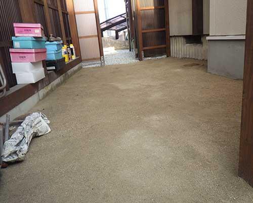 納屋の防草対策施工